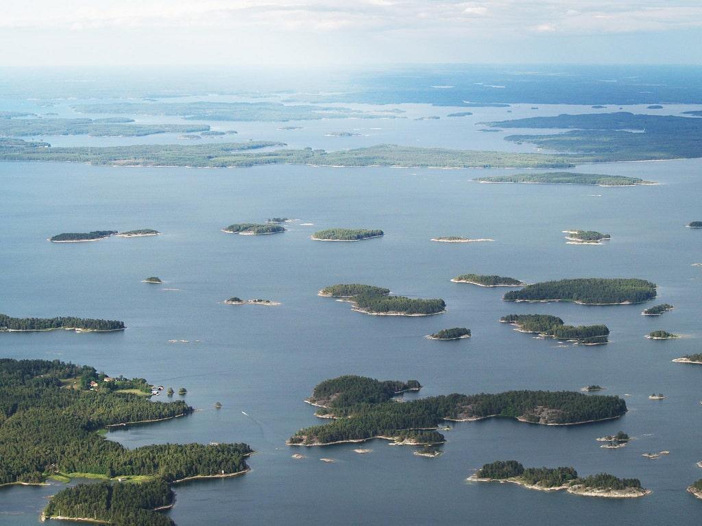 many islands